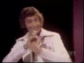 Barry Manilow sings Cant Smile without You