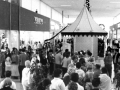 Shoppers hung out at River Roads Mall - 1970